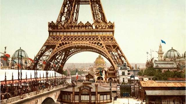 Inicia-se a transmissão das aulas da Faculdade de Letras e Ciências Humanas de Paris, França, por meio da Rádio Sorbonne.