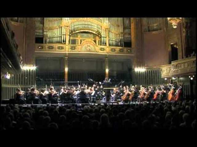 Beethoven megírja a Sors szimfóniát