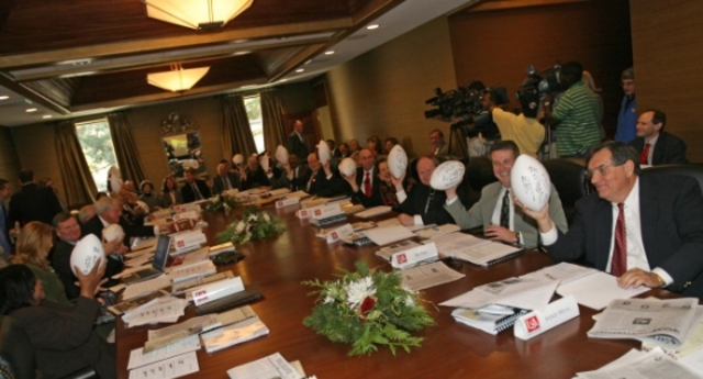 BOARD OF TRUSTEES VOTES TO ADD NCAA FOOTBALL