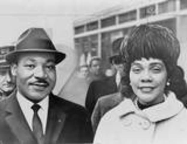 MLKJ marrys his wife