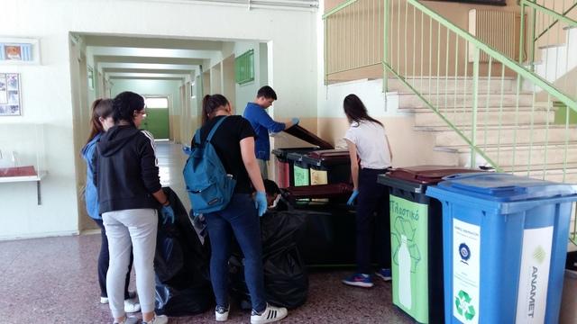 """Δράση των μαθητών του Προγράμματος """"Οικολογικά Σχολεία"""""""