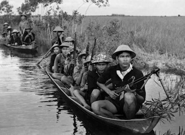 Guerra de Vietnam:Creación de la guerrilla vietnamita Viet Minh