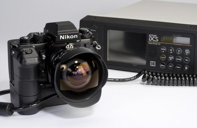 Kodak DCS 100, cuerpo y objetivos Nikon