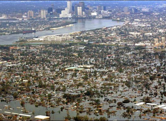 Hurricane Katrina Hits Gulf Coast Flood New Orleans