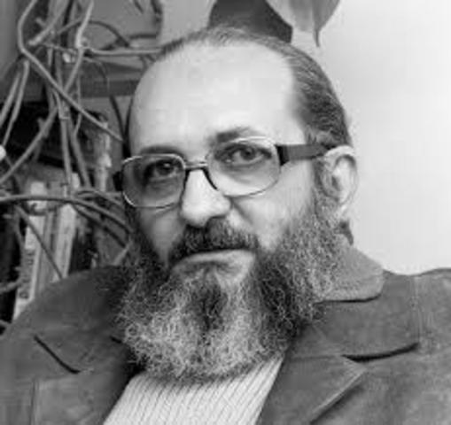 PAULO FREIRE, nace en 1921 en Recife (Brasil).PERSONALISTA.