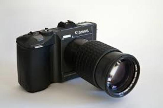 la Canon RC-701.