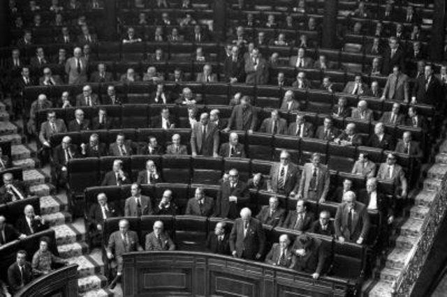 Anuncia Proyecto Ley Reforma Política