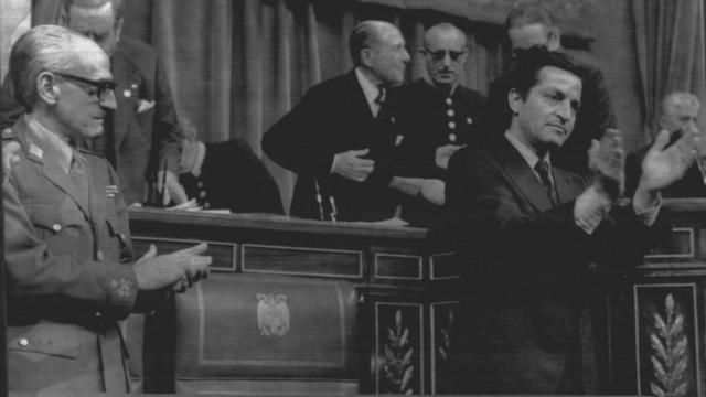 Las Cortes aprueban la Ley de Reforma Política
