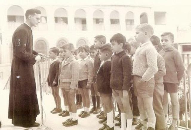 EDAD DE INGRESO A LA EDUCACIÓN PRIMARIA EN 1970