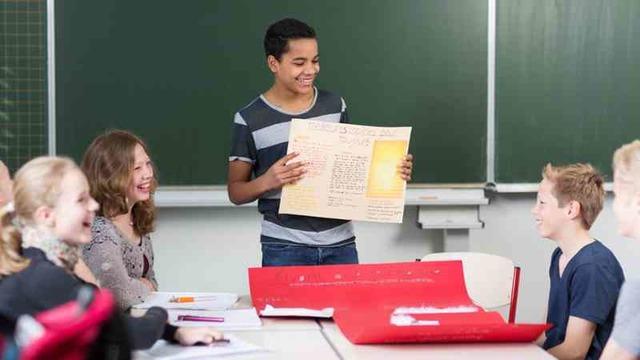 INTENTOS DE MODIFICAR LA EDUCACIÓN SECUNDARIA