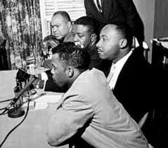King assists in negotiations for the Freedom Riders