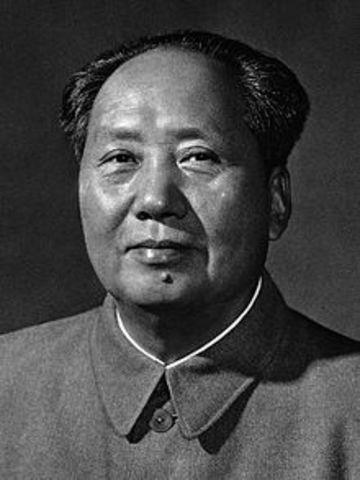 el conflicto coreano se dio entre el bloque comandado por  mao zedong apoyado por los rusos