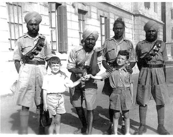 Granbretaña declara la entrada de india a la segunda guerra mundial sin consulta previa