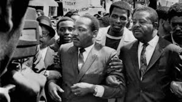 King leads a march of in Memphis Tn