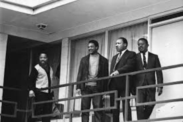 King is assassinated at the Lorraine Motel, in Memphis