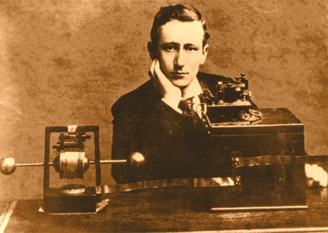 ''guglirlmo Marconi'' radio