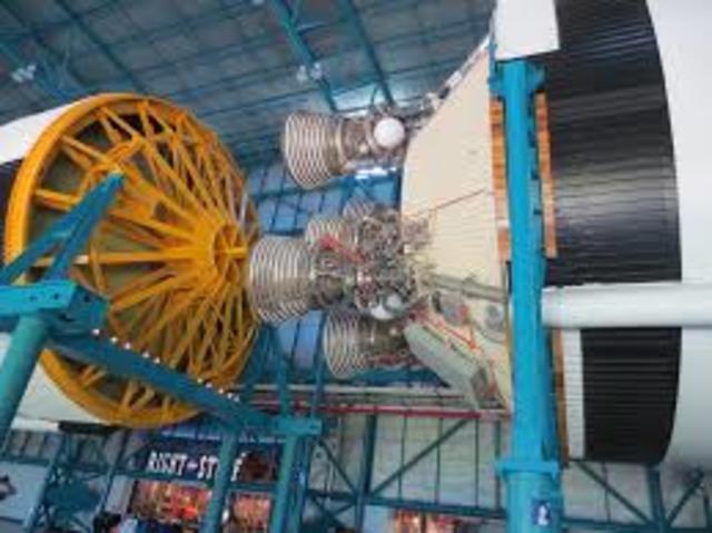 Lanzamiento del cohete Saturno V