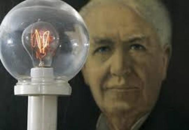 Thomas Edison inventa la bombilla eléctrica.