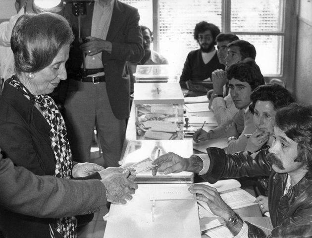Celebración de las primeras elecciones generales democráticas