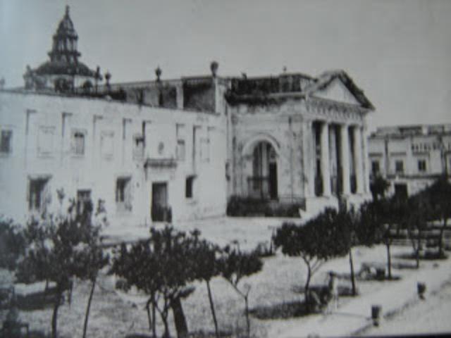 Decreto de la primera clausura de la Universidad