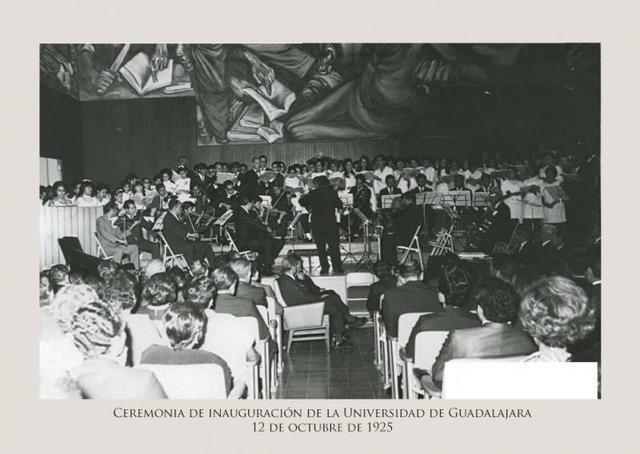 Ceremonia de inauguración de la Universidad
