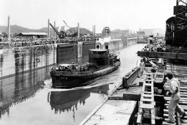 Inauguración del Canal de Panamá.