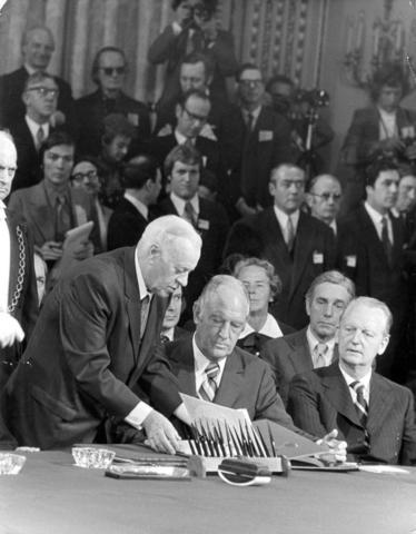 Paris Accords Signed (7/10)