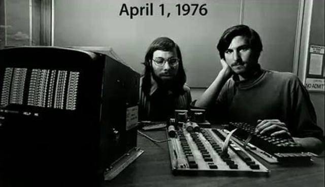 Fundación de la empresa Apple Computer.