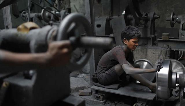 Ley de prohibición de trabajo infantil - Italia