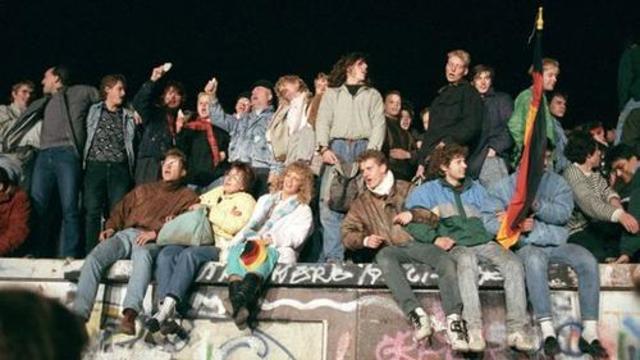 Wende und friedliche Revolution in der DDR