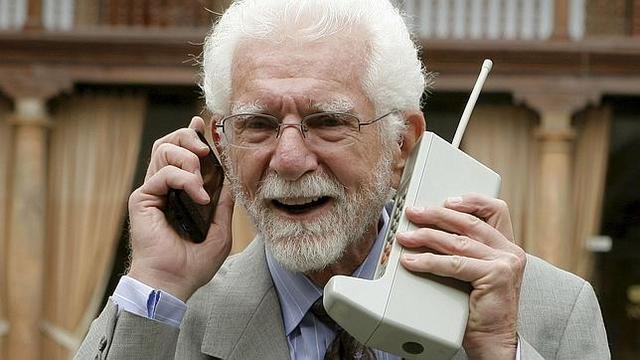 """Según la leyenda la primera llamada realizada desde un celular fue una """"venganza"""""""
