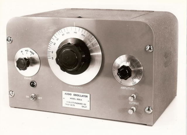 Низкочастотный генератор Hewlett-Packard 200A