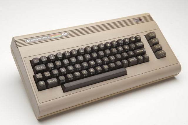 Компьютер Commodore 64