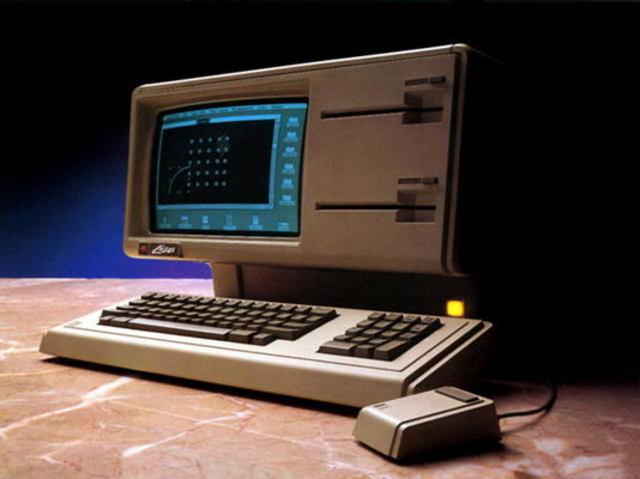 Первый персональный компьютер с графическим интерфейсом Apple Lisa