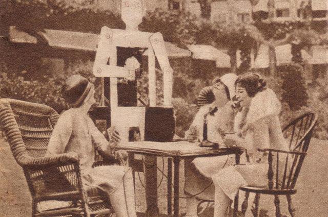 Первые действующие роботы