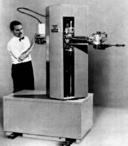 Первый прообраз промышленного робота
