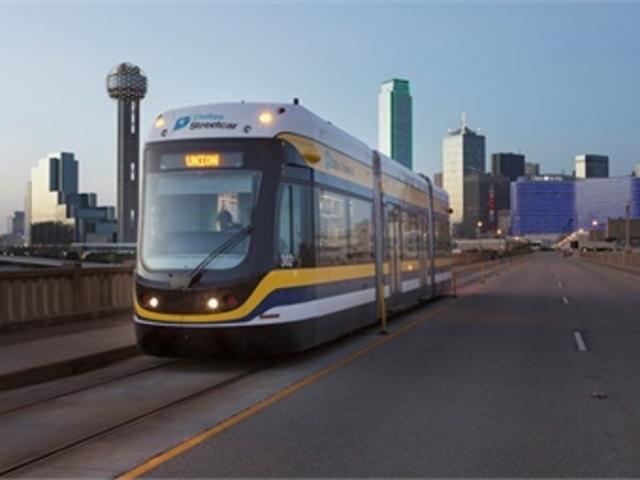 Streetcar service returns to Oak Cliff