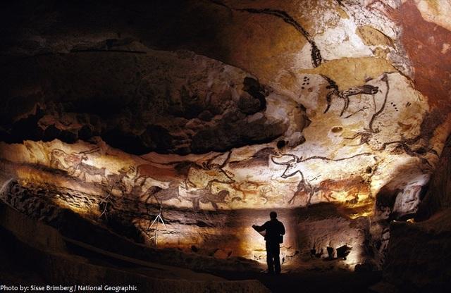 Lascaux Caves - Prehistoric - 15000 BCE