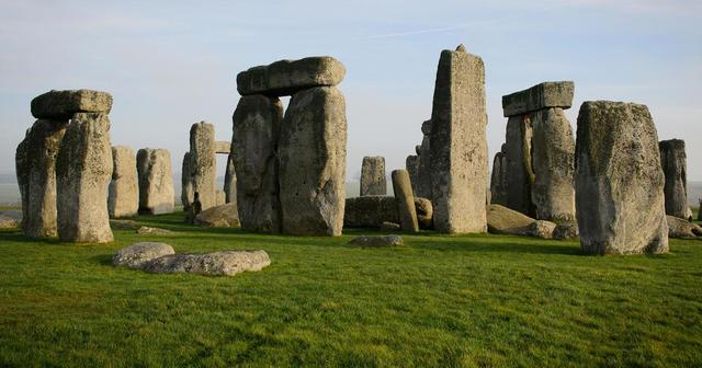 Stonehenge - Druids - Prehistoric - 3000 BCE to 1500 BCE