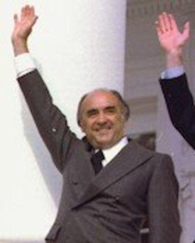 José López Portillo (1976-1982), Política Social
