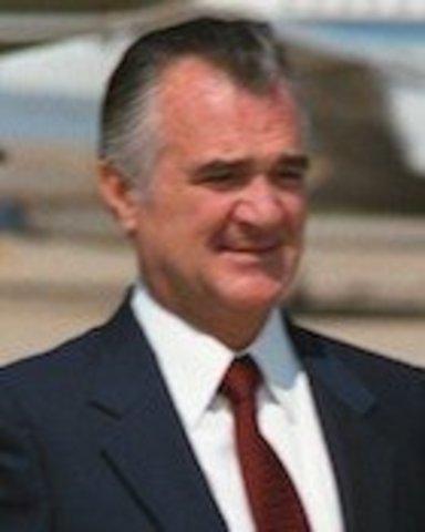 Miguel de la Madrid Hurtado (1982-1988) Política Social