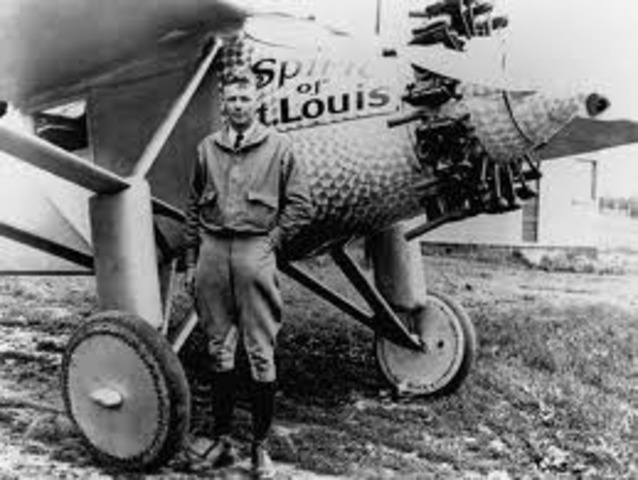 The Spirit of St. Louis leaves New York for Paris