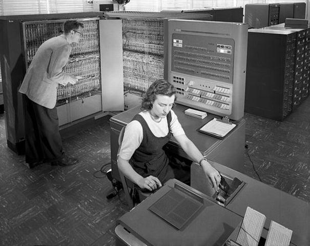 Mainframe Computers - IBM 704