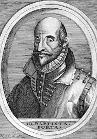Giovanni Battista Della Porta describe detalladamente la cámara oscura; su construcción, así como los usos que se le pueden dar.