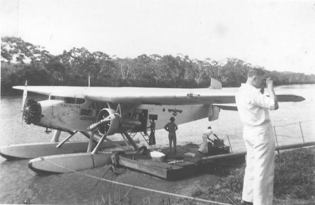 Se hacen en Colombia los primeros trabajos con ayuda de las fotografías aéreas. El ingeniero alemán Hermann Kuehl, llega a Colombia para dirigir la Sección Científica de Scadta, hoy Avianca.