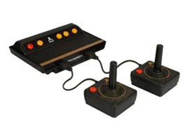Jobs trabaja como fabricante de videojuegos Atari y Wozniak se hace el asistente de ingeniería en Hewlett-Packard.