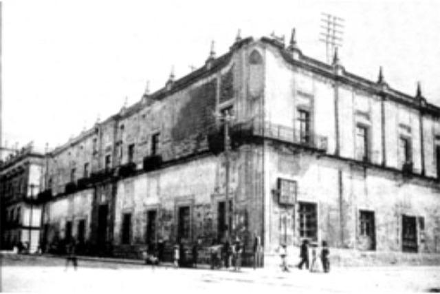 Escuela Mercantil en México