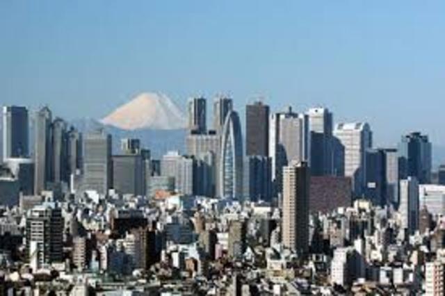 Cada vez son las altos los rascacielos construidos en las ciudades  se aproxima  que en las grandes ciudades hay 7.000 millones de  habitantes