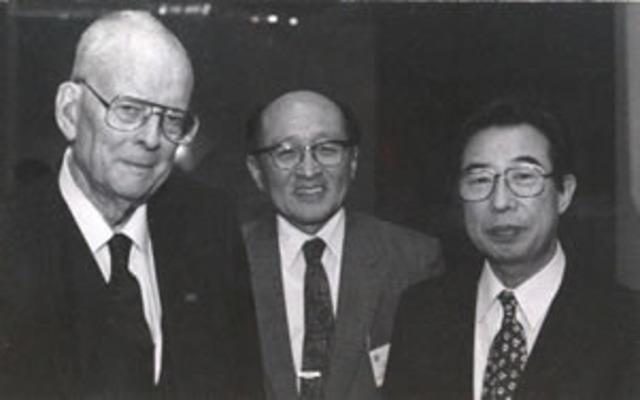 William Edwards Deming y el  Dr. Shewhart se conocen.