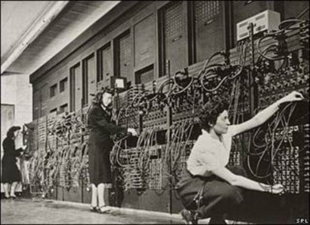 Era de medios electrónicos y la digitalización